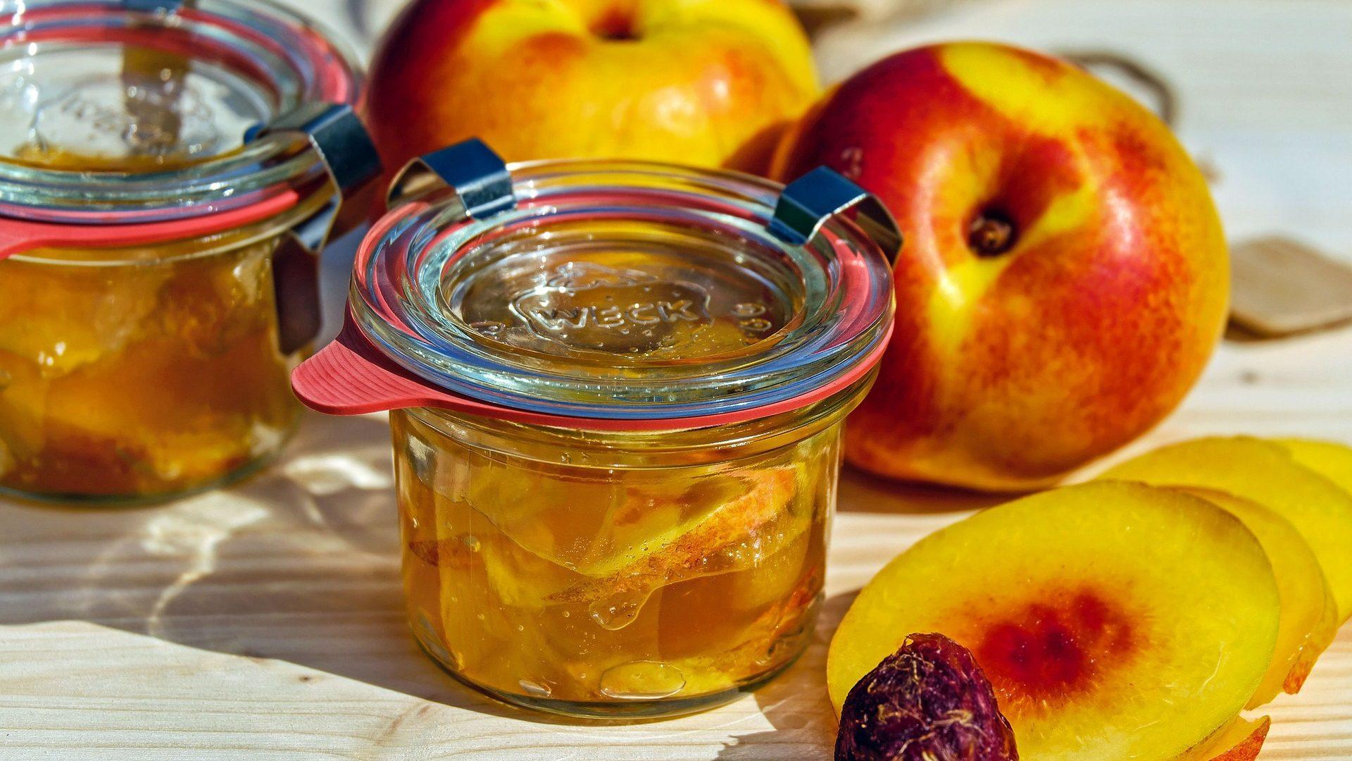 jam nectarine apricots-1678918_1920