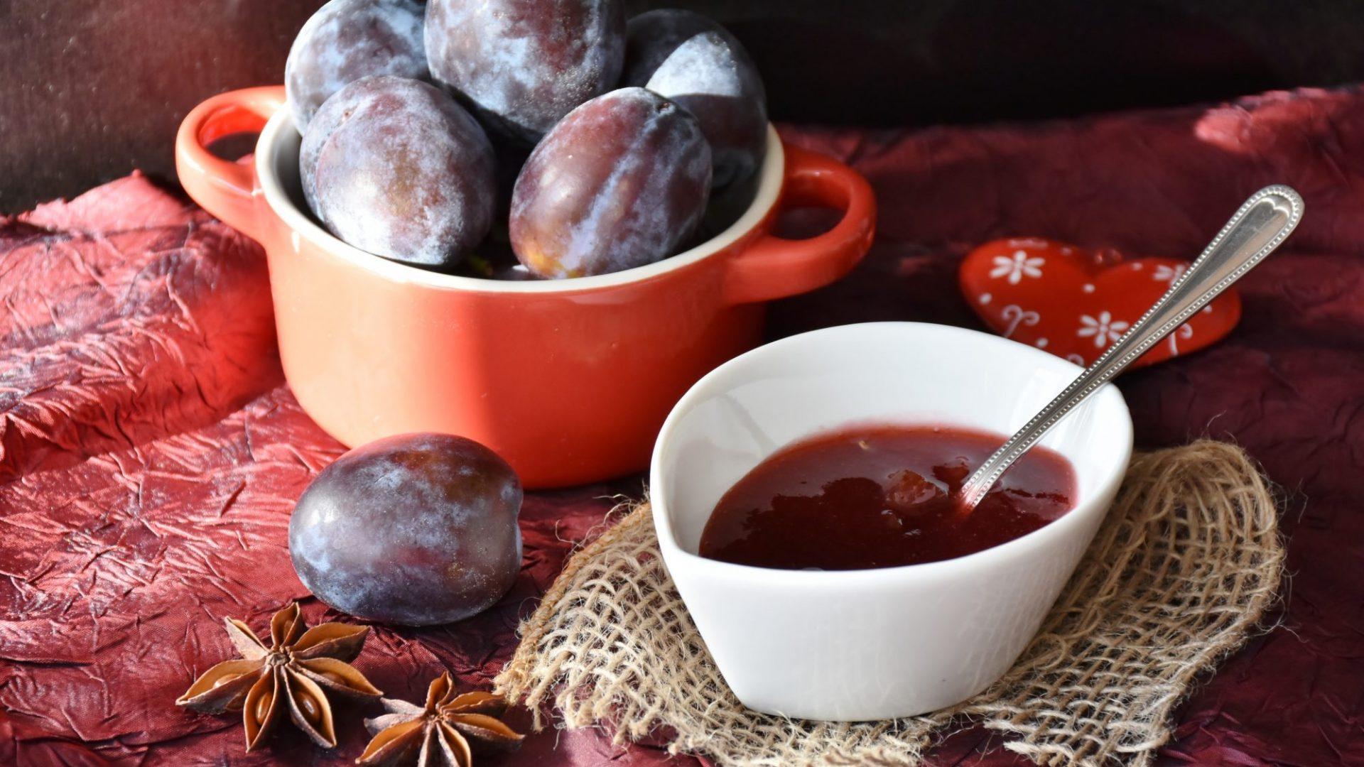 plums jam-1584181