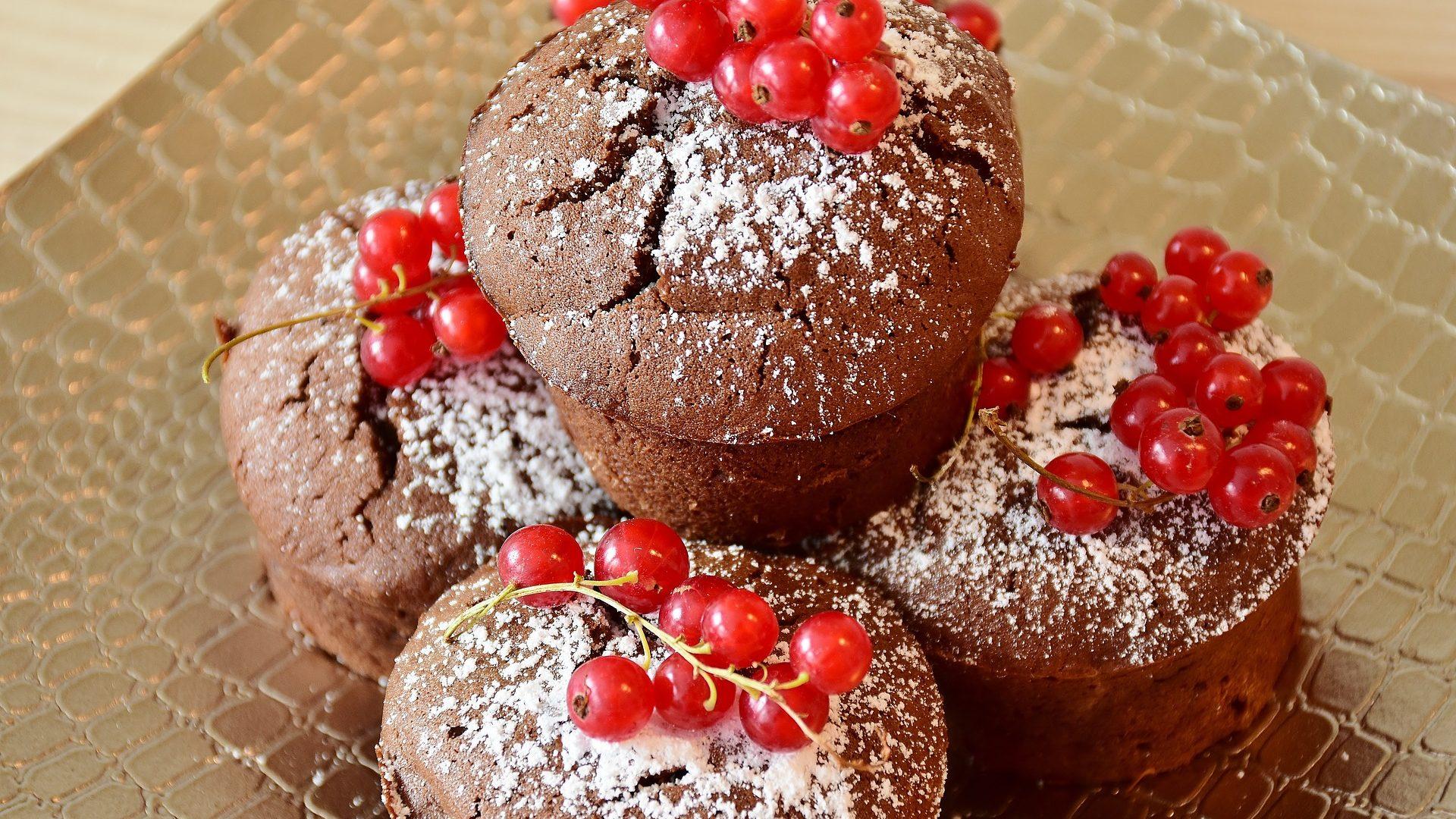 redcurrant-muffin-2513643_1920