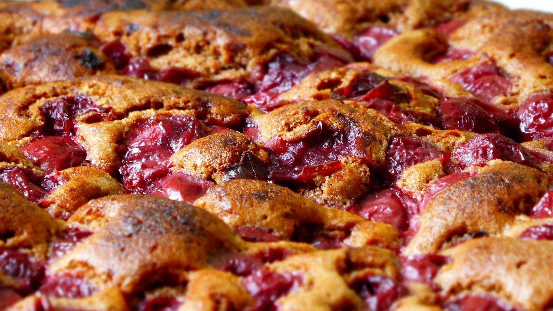 sour-cherry-cake-827462_1920